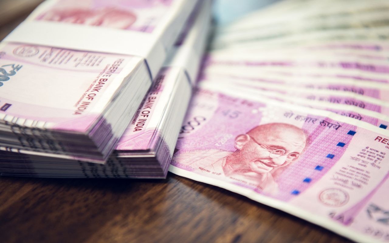 Govt Looks To Spend ₹5,000 Cr On Skilling Unorganized Workers